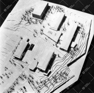 Vuoden 1951 arkkitehtikilpailun satoa. Pienoismalli Aarne Ervin  voittaneesta mutta tällaisenaan to