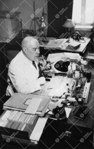 Kasvitieteen assistentti, dos. Lauri E. Kari v. 1950.