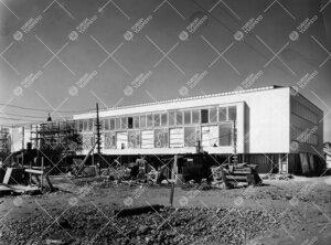 Pääkirjasto valmistumassa keväällä tai kesällä 1954.