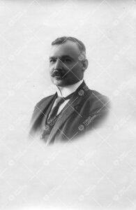 Johan (*Jysi*) Ivar Liro (v:een 1906 Lindroth). Kasvitieteen  professori 21.5.1921 - 13.1.1923.