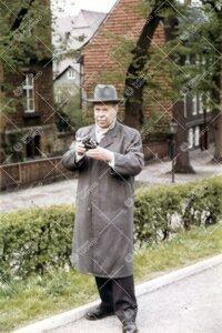 Yrjö Väisälä kesällä 1958 (todennäköisesti Saksassa).