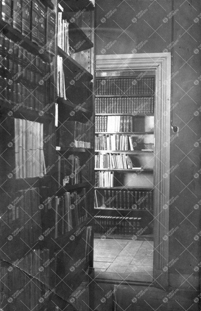 Kirjaston varastohuoneita Phoenixissa 1920-luvun alussa.