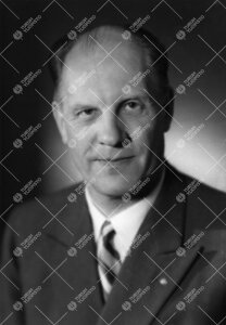 Reino Sulo Leimu (v:een 1905 Lindström). Kemian professori  3.3.1947 - 31.8.1970.