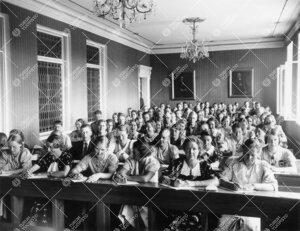 Kasvatusopin luennolta vuoden 1937 kesäyliopistossa.