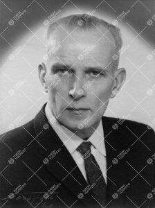 Karl Voldemar Nickul. Maanmittaushallituksen geodeetti, vanhempi  insinööri. Yhteiskuntatieteellin