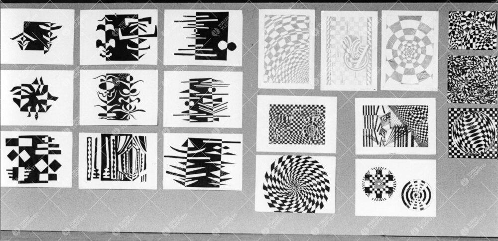 Turun normaalilyseo. Vuonna 1966 optinen taide oli pop.  Oppilastöitä  näyttelytaulussa.