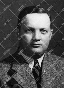 Einar Johannes Salmi. Kemian professori (kutsuttu) 16.10.1941 -  1.4.1945.