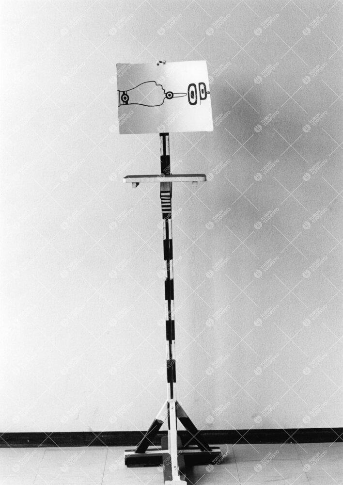 Turun normaalilyseo. Vuonna 1966 optinen taide oli pop.