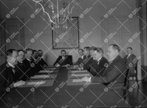 Turun Suomalaisen Yliopiston konsistorin viimeinen istunto v.  1927.