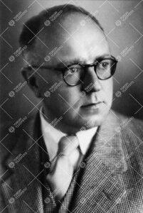 Aaro Mikael Ritala. Synnytys- ja naistentautiopin professori  16.6.1947 - 24.10.1955.