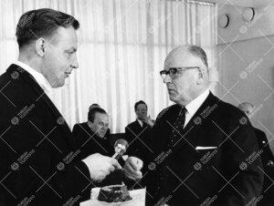Prof. Pertti Muukkosen virkaanastujaisjuhlat henkilökunnan  kahvilassa 15. marraskuuta 1961.
