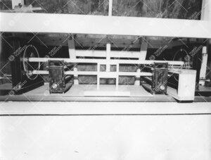 Metrikomparaattori Tuorlan pianotunnelissa 1950-luvun  puolivälissä.
