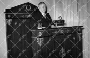 Professori Kaarlo Jäntereen jäähyväisluento 28. tammikuuta 1955.