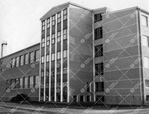 Turun normaalilyseon Mestarinkadun uudisrakennus  valmistumisvuotenaan 1957.