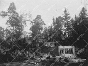 Tuorlan tunnelin eteläpäässä sijaitseva huoltorakennus nousemassa  marraskuun alussa 1953.