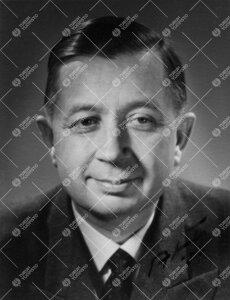 Toivo Salmi. Lastentautiopin professori 28.8.1945 - 6.6.1965.