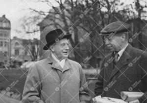 Professori Gunnar Malmquist (Uppsalan observatorio) ja Yrjö  Väisälä 1950-luvun alkupuolella.