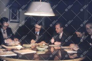 Tarkemmin määrittelemätön ylioppilaskunnan johtohenkilöiden  kokous 1950-luvun jälkipuolella.