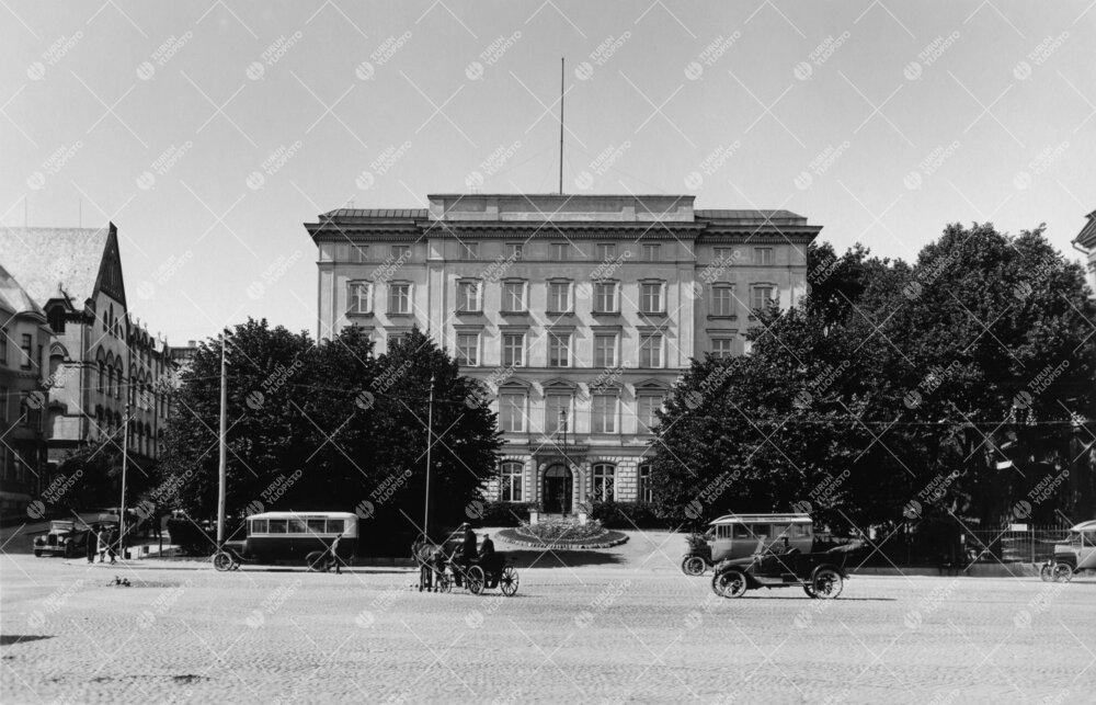 Turun Yliopiston Phoenix-päärakennus kesällä 1922.