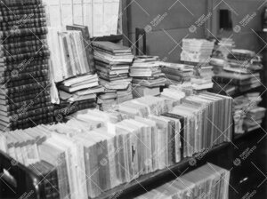 Tilanahtautta yliopiston kirjastossa Phoenixissa keväällä 1938.