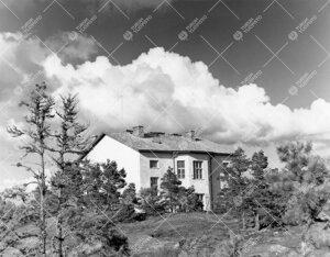 Kivirakennus Lohmin saarella kesällä 1964.