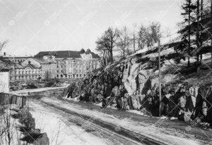 Näkymä Oikokadulta (nykyinen [2005] Volter Kilven katu) Aurajoen  yli kevättalvella 1946. Kuva li