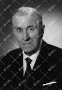 T(oivo) E(dvard) Olin. Iho- ja sukupuolitautiopin professori  26.5.1944 - 27.6.1955, rehtori 1.9.194