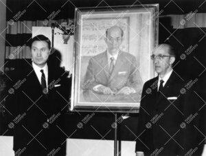 Rehtori Sampo Haahtelan muotokuvan paljastustilaisuus Turun  normaalilyseossa vuonna 1965.