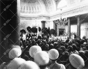 Turun Yliopiston vihkiäisjuhla ja ensimmäinen promootio  12. toukokuuta 1927. Promootioakti entise