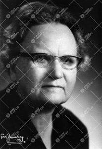 Toini Ida Elisa Melander. Kirjastoassistentti, vuodesta 1927  alikirjastonhoitaja 15.2.1921 - 30.10.