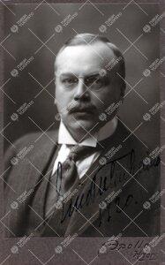 Eino Otto Tulenheimo (v:een 1906 Thulé). Asianajaja,  pankinjohtaja, kansanedustaja, kunnallispolii