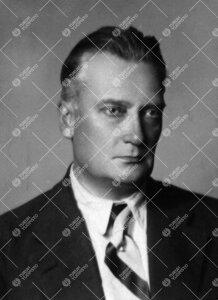 Maisteri, sittemmin kouluneuvos, Aarne Honka. Turun Suomalaisen  Yliopistoseuran kiertävä asiamies