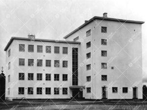 Vuonna 1935 valmistunut Käkisalmen yhteislyseo. Syksyllä 1944  koulu siirrettiin Turkuun, jossa se