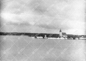 Naantalin kesäistä idylliä mereltä Kultarannan suunnasta  kuvattuna. 1920-luku.