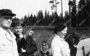 Perunannostotalkoot Tuorlassa vuonna 1946.