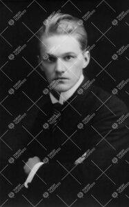 Martti Olavi Rapola. Suomen kielen ja sen sukukielten professori  15.5.1924 - 1.2.1930.