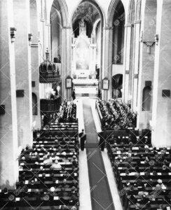 Promootio 3. kesäkuuta 1955. Juhlajumalanpalvelus tuomiokirkossa.  Yleiskuva.