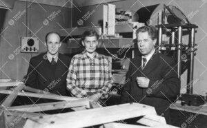 Tähtitieteen väkeä Phoenixissa fysiikan laitoksella vuonna 1948.