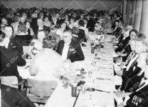 Promootio 3. kesäkuuta 1955. Juhlapäivälliset Ylioppilastalossa.  Yleiskuva.