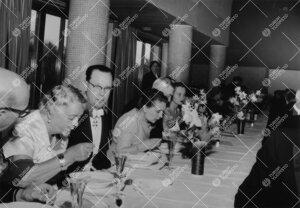 Promootio 3. kesäkuuta 1955. Juhlapäivälliset Ylioppilastalossa.