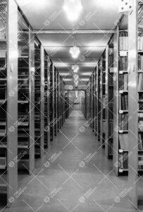 Pääkirjaston kirjavarastoa 1950-luvun puolivälissä.