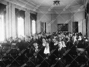 Yleisötilaisuus Phoenixin juhlasalissa vuonna 1934.