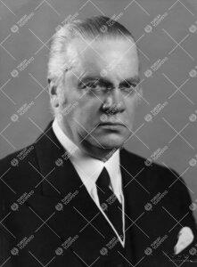 Antti Agathon Tulenheimo (v:een 1906 Thulé). Vesa Vares  kirjoittaa kansallisbiografia-verkkojulkai