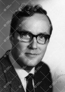 Arne Henrik Rousi. Kasvitieteen apulaisprofessori 1.7.1966 -  1.9.1976, professori 1.9.1976 - 30.11.